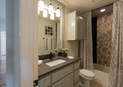 Hall Bath 1 Monroe In The Estates At The River Shaw Tulsa New Home Builder