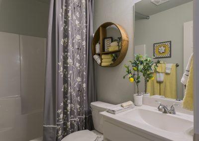 Hall Bath 1 Shaw Homes Kincaid In Pinnacle 3100 Brookstone Ridge Blvd Yukon, OK 73099 (2)