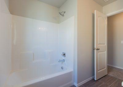 Hall Bath 3 Shaw Homes 6709 S 20th St Liberty In Tucson Village Broken Arrow, Oklahoma