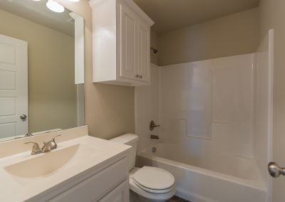 Hall Bath 3445 E Quebec St Baywood In Silverleaf Broken Arrow Oklahoma
