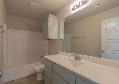 Hall Bath Shaw Homes 6700 S 20th Pl Ellington In Tucson Village Broken Arrow, Oklahoma