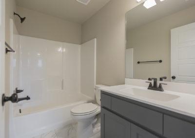 Hall Bath Upstairs 8216 NW 151st St, Oklahoma City, OK Magnolia Twin Silos (2)