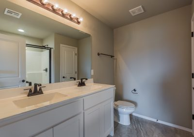 Master Bathroom 1 3440 E Sundusky St Baywood In Silver Leaf Broken Arrow Oklahoma
