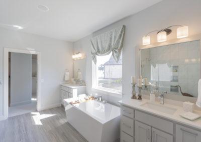 Master Bathroom 3033 Birchwood Cir, Edmond, OK 73007 Shaw Homes Redford 1H Model Home (5)