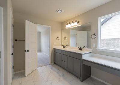 Master Bathroom 8216 NW 151st St, Oklahoma City, OK Magnolia Twin Silos (2)