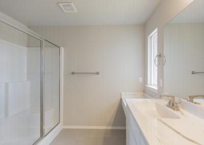 Master Bathroom 8220 NW 151st St, Oklahoma City, OK Twin Silos Hawthorne (3)