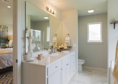 Master Bathroom Shaw Homes Kincaid In Pinnacle 3100 Brookstone Ridge Blvd Yukon, OK 73099 (1)