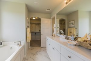 Master Bathroom Shaw Homes Kincaid In Pinnacle 3100 Brookstone Ridge Blvd Yukon, OK 73099 (3)