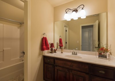 Upstairs Bath 1 Shaw 6672 E. 125th St. S. Wyndham In Seven Lakes Bixby, Oklahoma